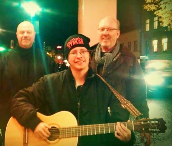 Sören, jag och Hans missionerar på Fyristorg i Uppsala!