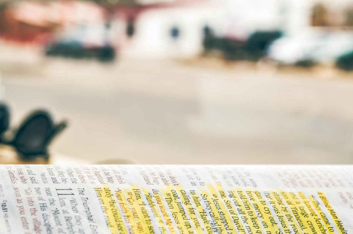 117 Bibelverser om invandrare och flyktingar