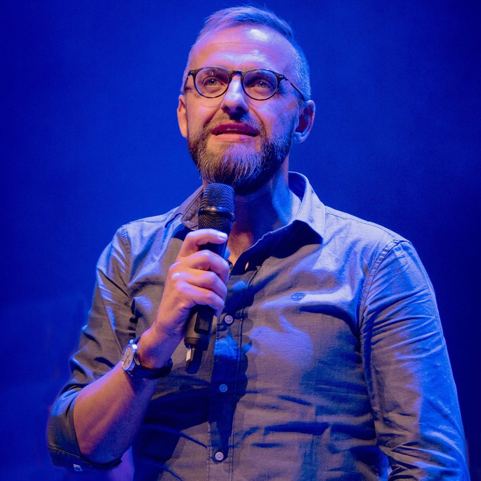 Pingstledaren Daniel Alm: Karismatik och diakoni är vägen framåt!